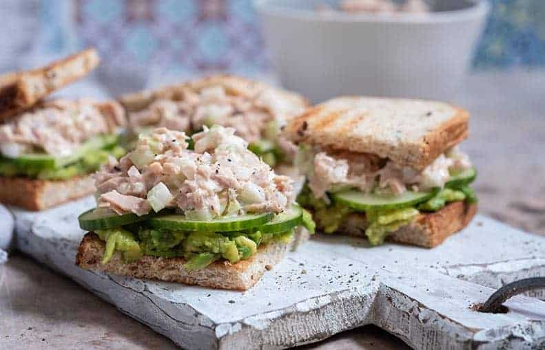 Parallelo Health - your source for health, workouts, food, supplements and more - blog - 10 Healthy Snacks That Keep You Slim - Stuffed Tuna Sandwich