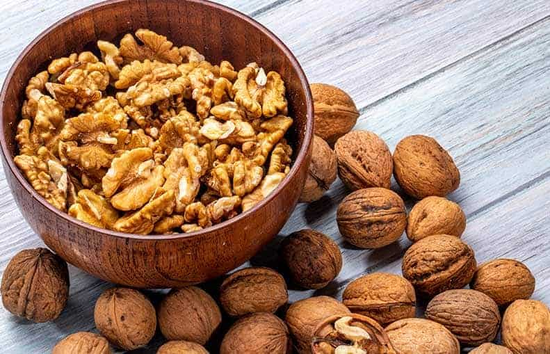 Parallelo Health - your source for health, workouts, food, supplements and more - blog - Quick Nutritional Tips for Optimal Health in Men - walnuts